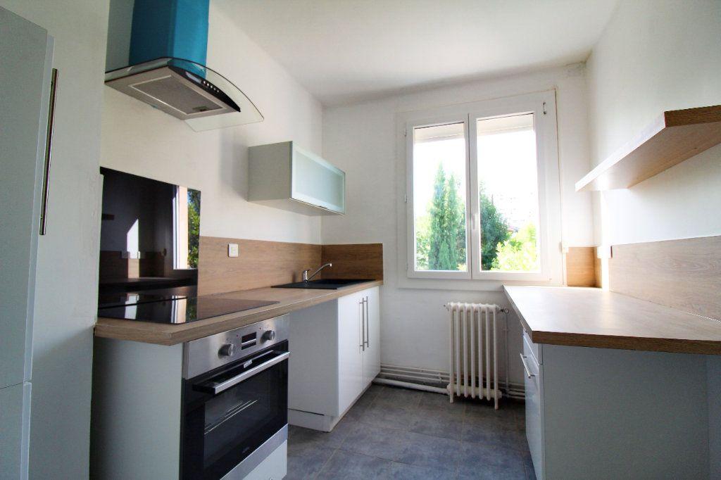 Maison à louer 6 106m2 à Toulouse vignette-1