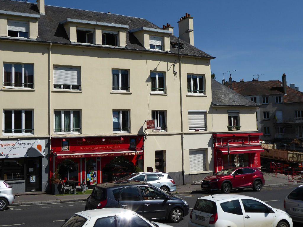 Appartement à louer 1 10.9m2 à Caen vignette-1