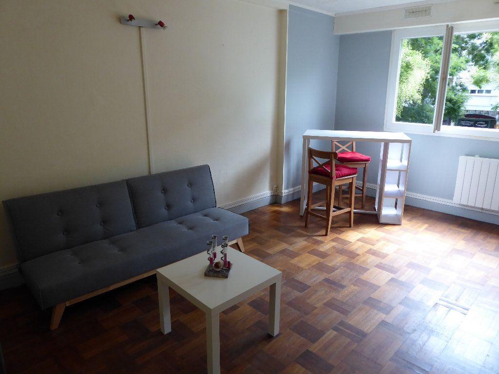 Appartement à louer 1 21m2 à Caen vignette-3