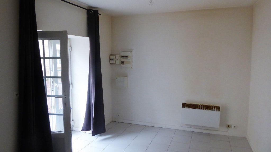 Appartement à louer 2 27m2 à Mouen vignette-2