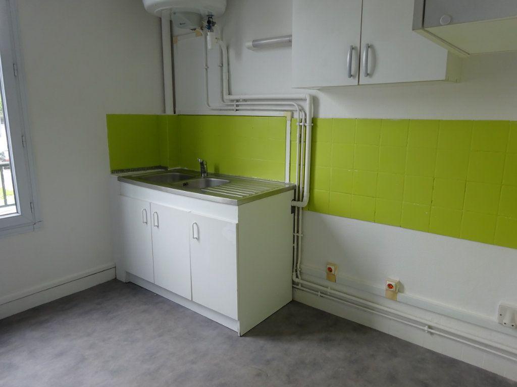 Appartement à louer 2 39m2 à Caen vignette-2
