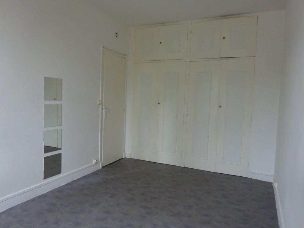 Appartement à louer 2 39m2 à Caen vignette-4