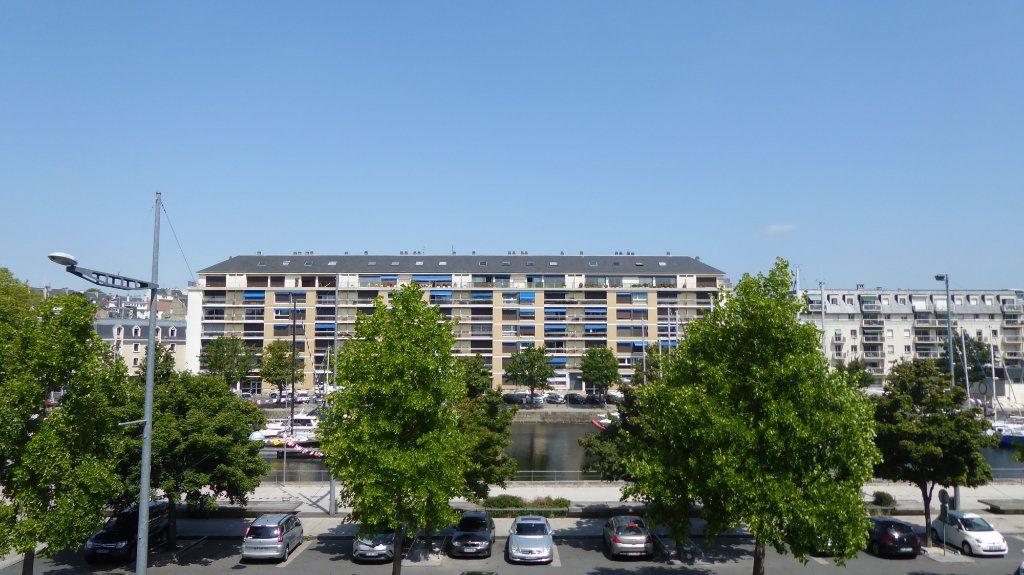 Appartement à louer 2 27.7m2 à Caen vignette-2
