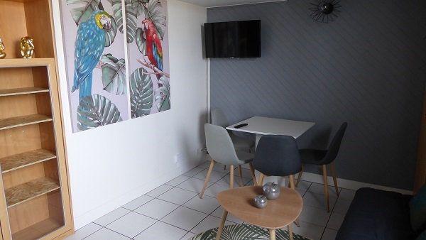 Appartement à louer 2 27.7m2 à Caen vignette-3