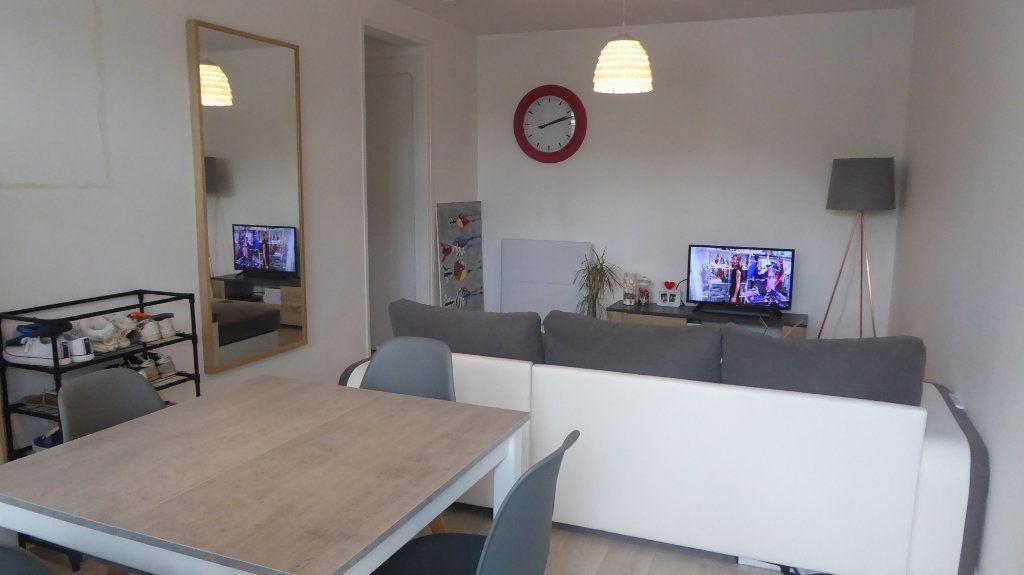 Appartement à louer 2 46.44m2 à Caen vignette-1