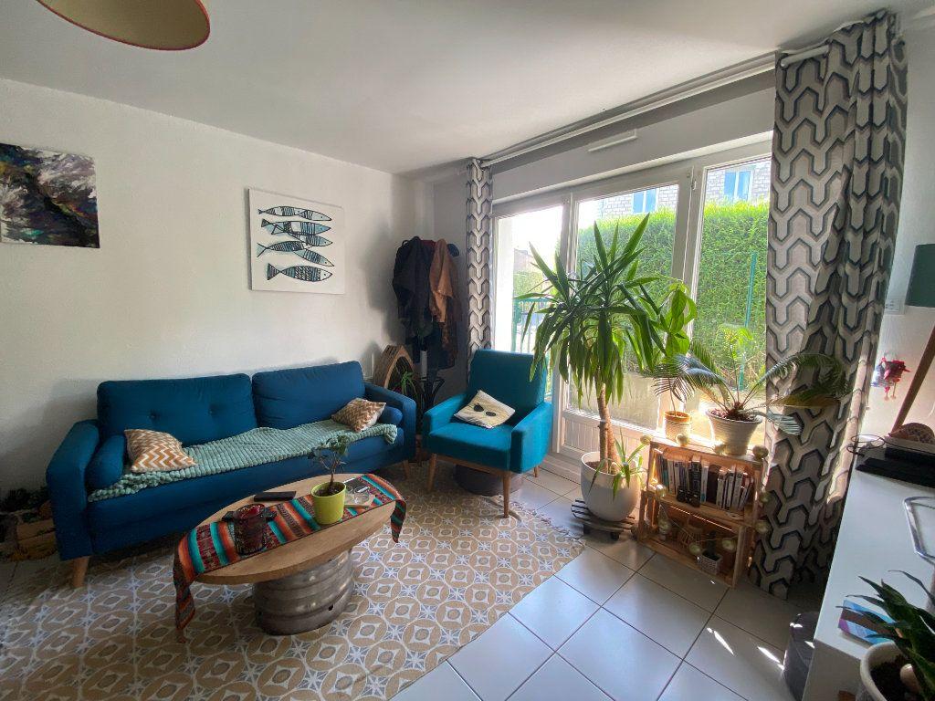Appartement à louer 2 41.41m2 à Caen vignette-1