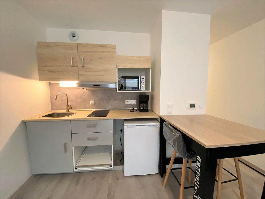 Appartement à louer 1 26.57m2 à Caen vignette-2