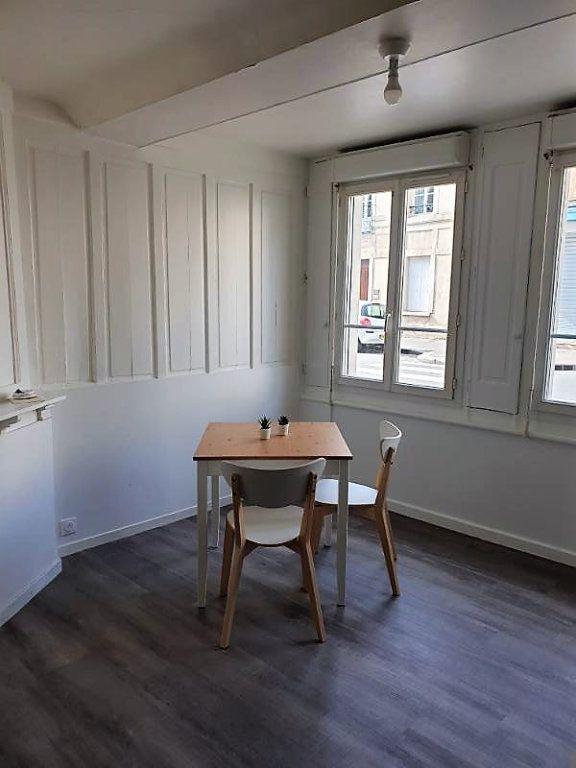Appartement à louer 1 27.5m2 à Caen vignette-3