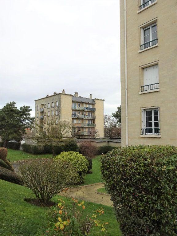 Appartement à louer 1 28.3m2 à Caen vignette-1