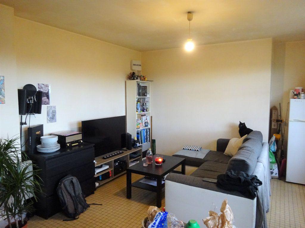 Appartement à louer 1 28.3m2 à Caen vignette-3