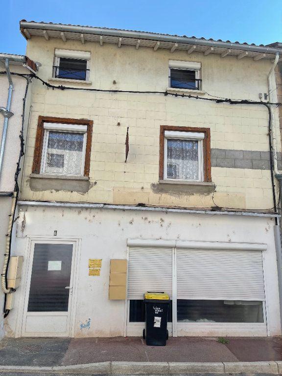 Immeuble à vendre 0 120m2 à Saint-Just-Saint-Rambert vignette-3