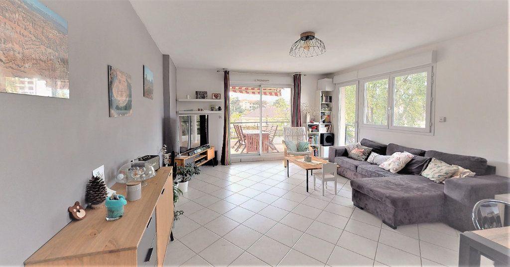 Appartement à vendre 3 83m2 à Saint-Chamond vignette-2