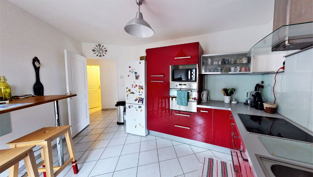 Appartement à vendre 3 83m2 à Saint-Chamond vignette-4