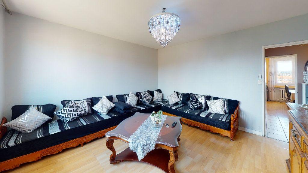 Appartement à vendre 4 72.34m2 à Le Chambon-Feugerolles vignette-4