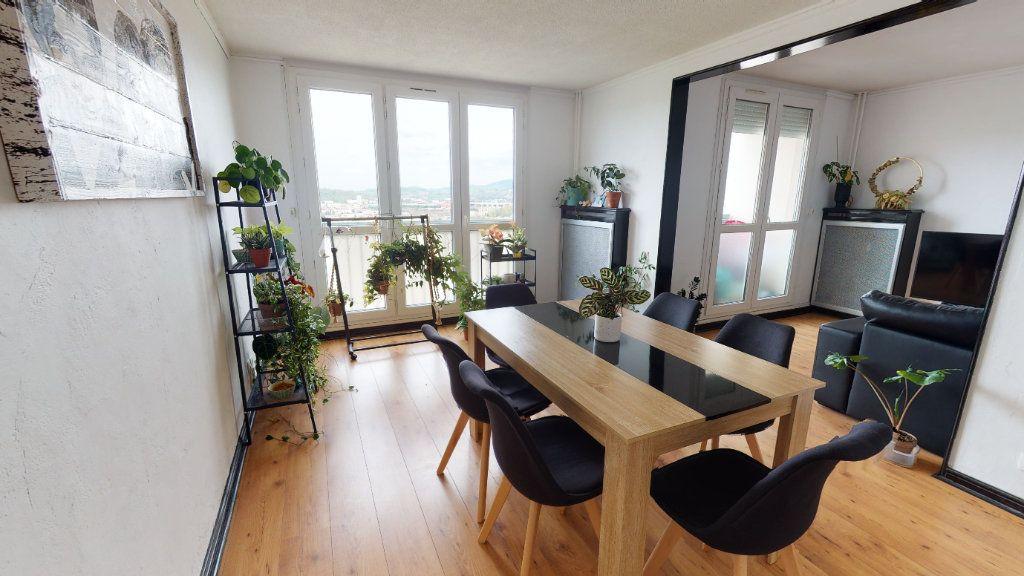 Appartement à vendre 5 91.18m2 à Saint-Just-Saint-Rambert vignette-1