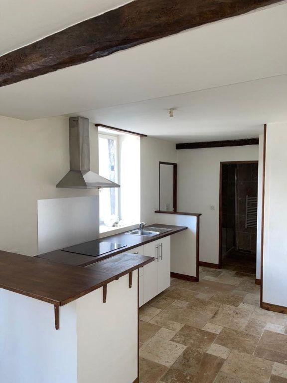 Appartement à louer 3 64m2 à Saint-Just-Saint-Rambert vignette-2