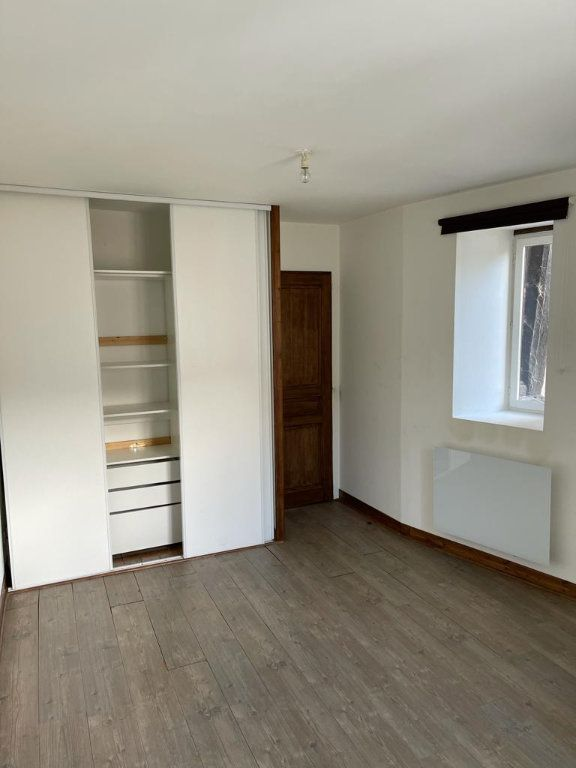 Appartement à louer 3 64m2 à Saint-Just-Saint-Rambert vignette-4