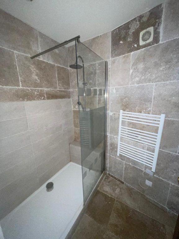 Appartement à louer 3 64m2 à Saint-Just-Saint-Rambert vignette-5