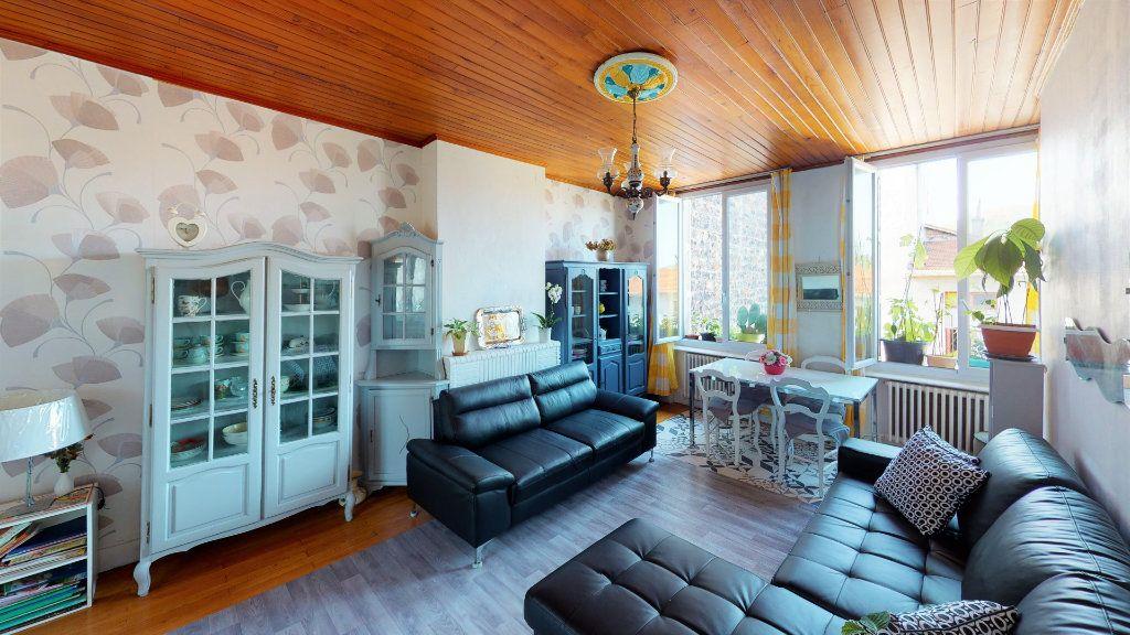 Appartement à vendre 4 85.23m2 à Saint-Étienne vignette-1