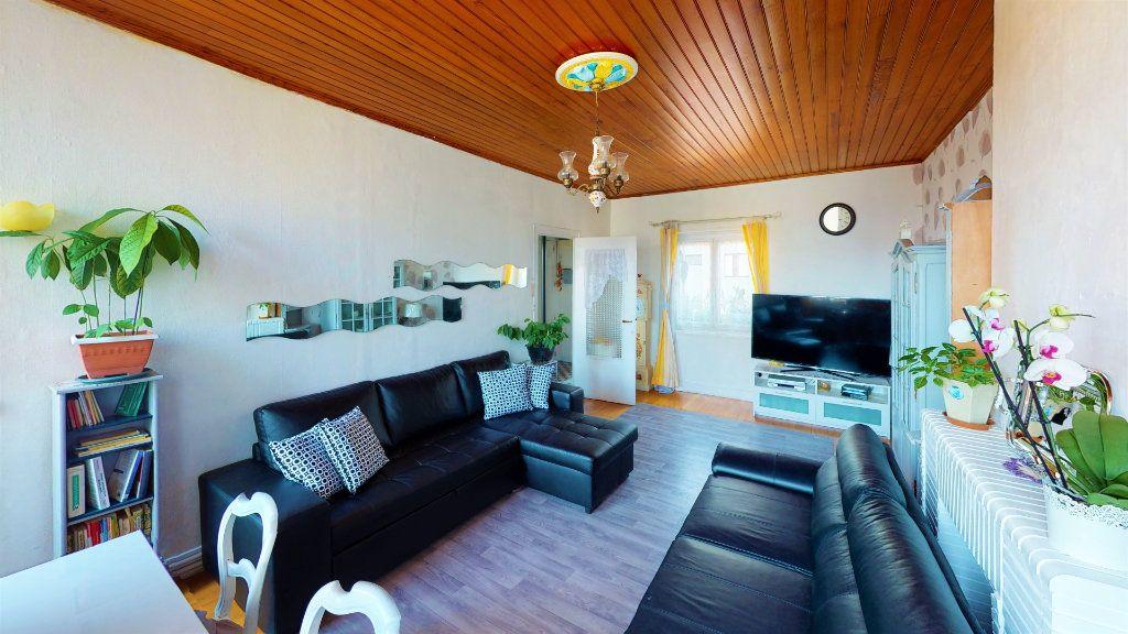 Appartement à vendre 4 85.23m2 à Saint-Étienne vignette-5