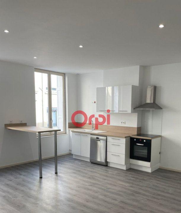 Appartement à louer 2 45.85m2 à Saint-Étienne vignette-1