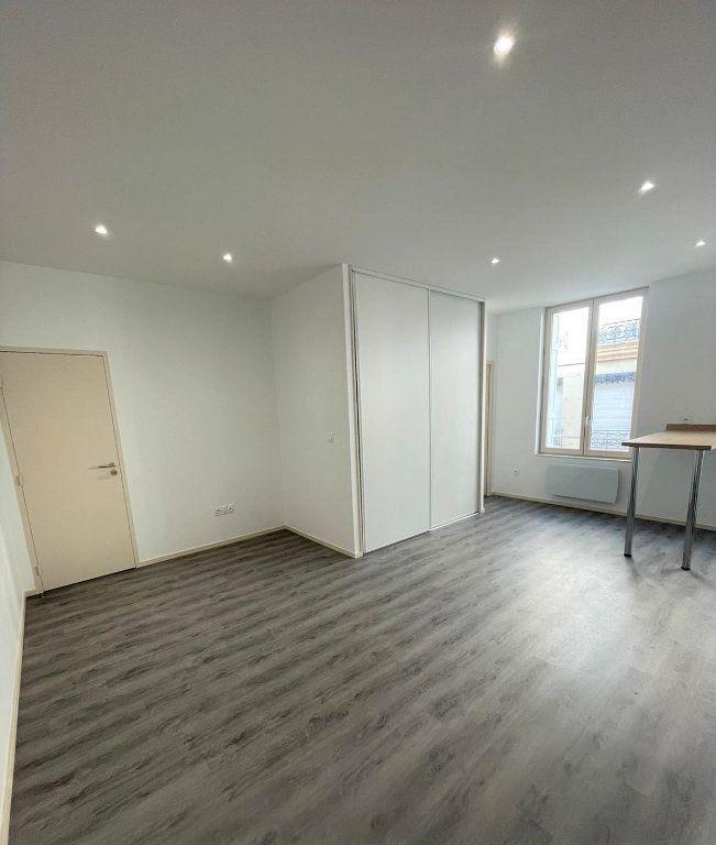 Appartement à louer 2 45.85m2 à Saint-Étienne vignette-3