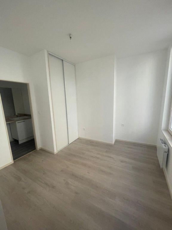 Appartement à louer 2 45.85m2 à Saint-Étienne vignette-4