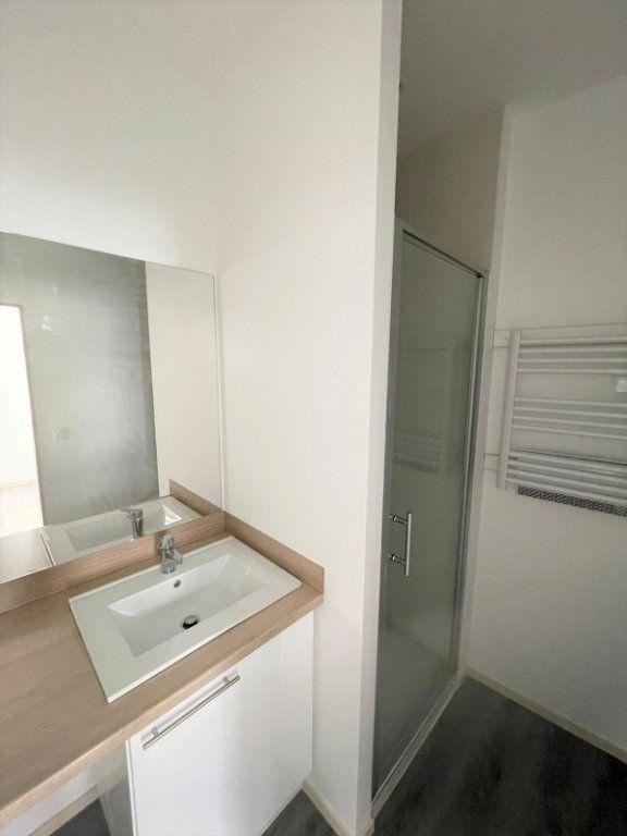 Appartement à louer 2 45.85m2 à Saint-Étienne vignette-5
