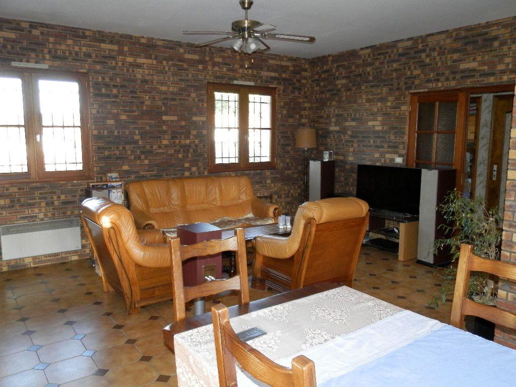 Maison à vendre 9 145m2 à Secondigny vignette-3