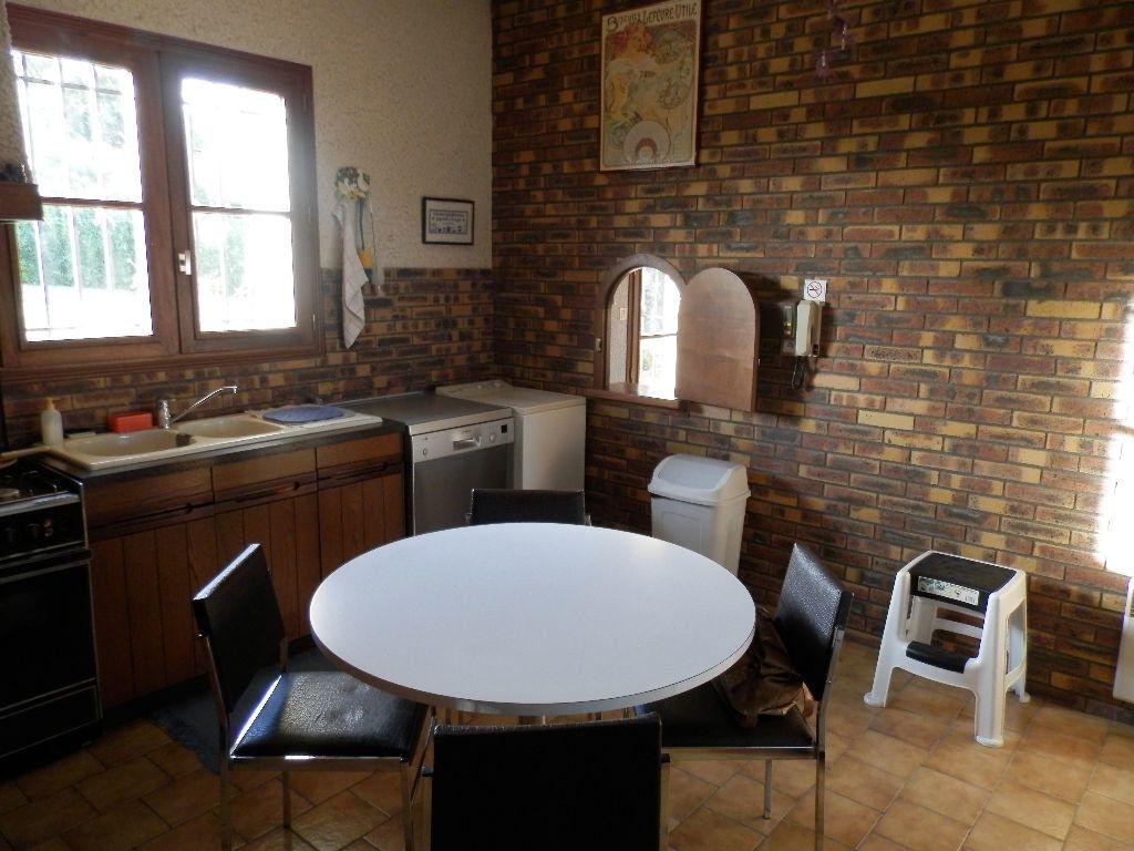 Maison à vendre 9 145m2 à Secondigny vignette-6