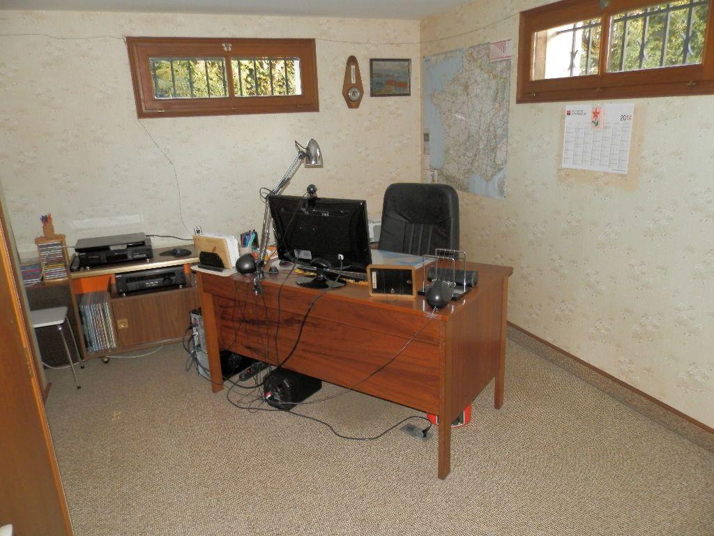 Maison à vendre 9 145m2 à Secondigny vignette-14