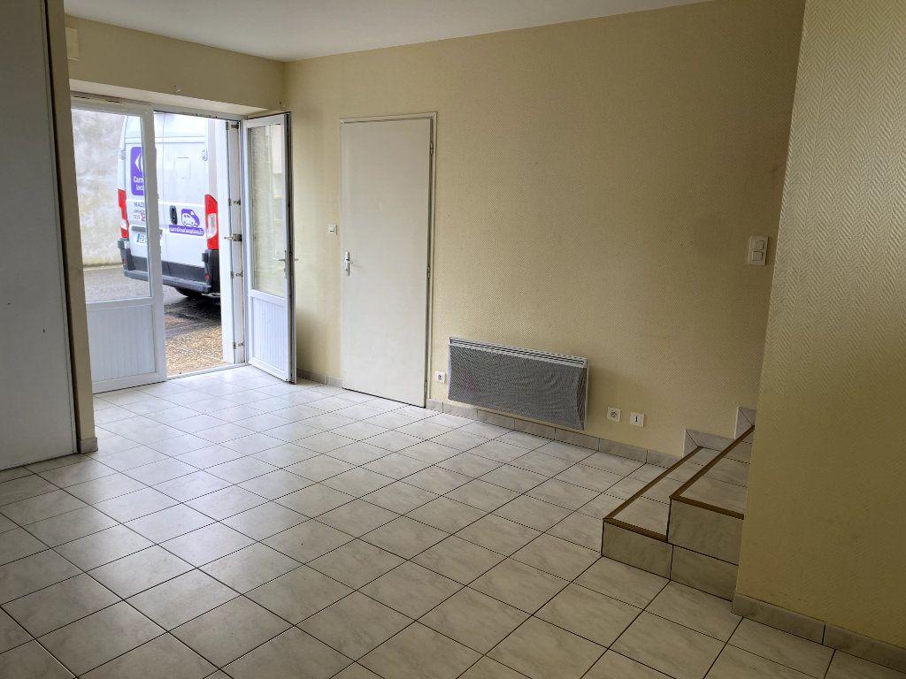 Maison à louer 2 40m2 à Beaulieu-sous-Parthenay vignette-2