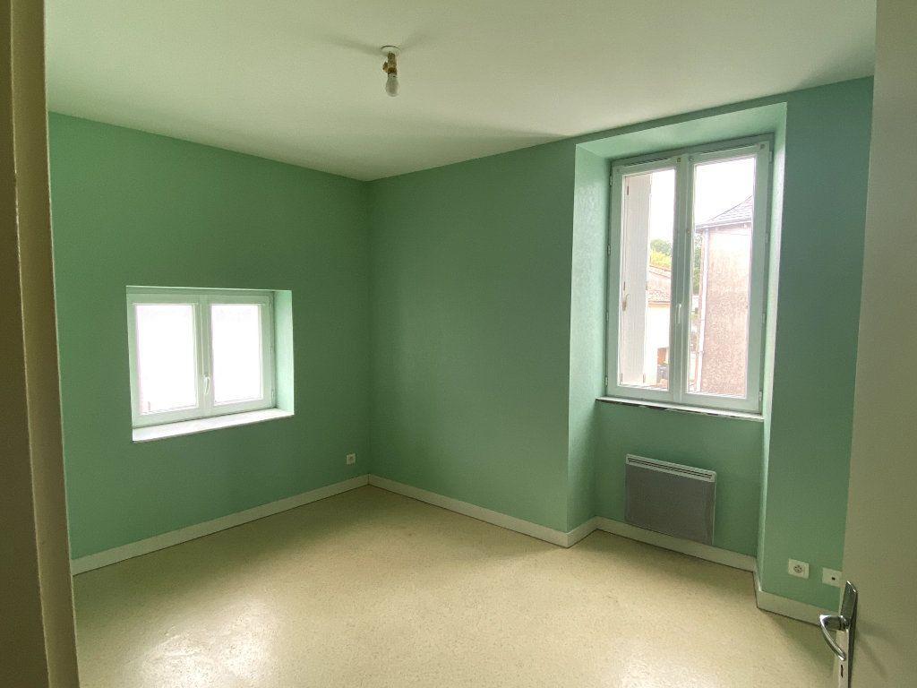 Maison à louer 2 40m2 à Beaulieu-sous-Parthenay vignette-3