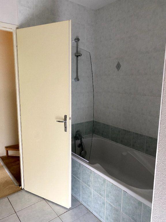 Maison à louer 2 40m2 à Beaulieu-sous-Parthenay vignette-5