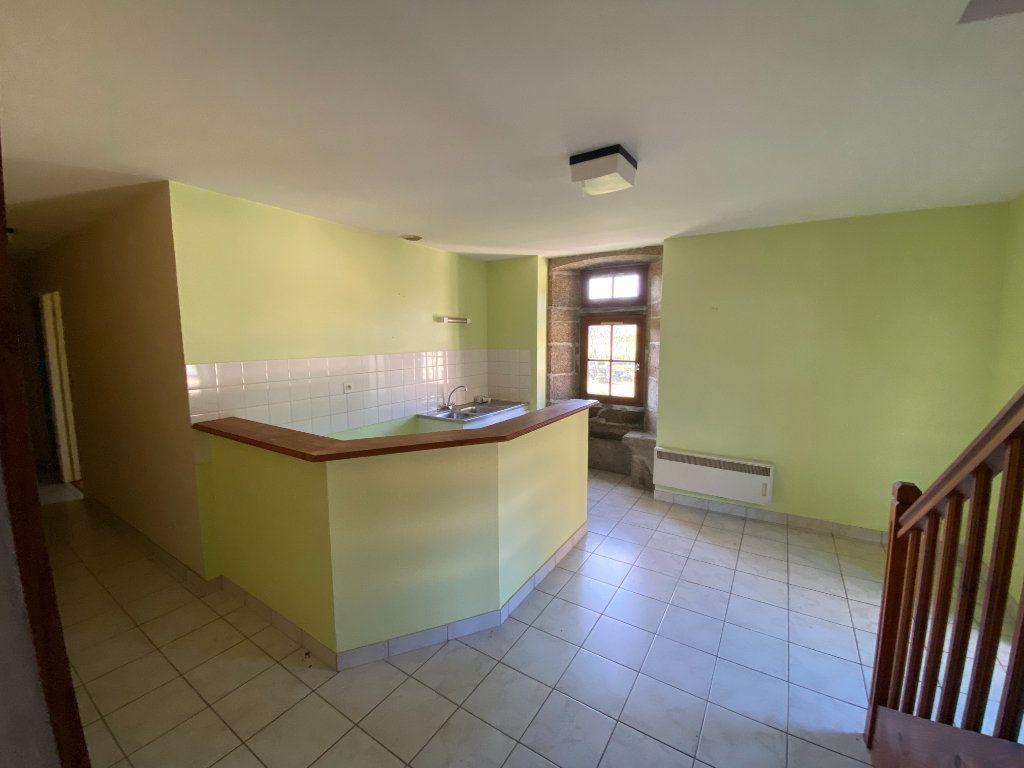 Appartement à louer 3 65m2 à Amailloux vignette-1