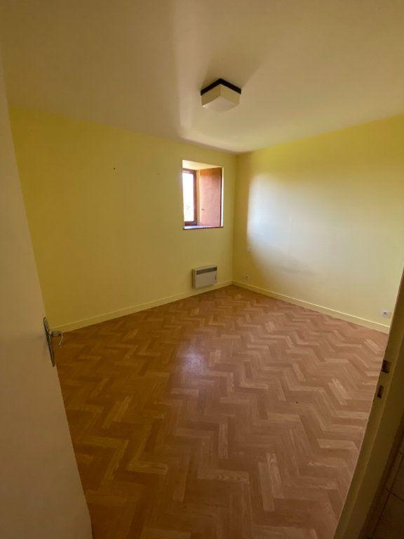 Appartement à louer 3 65m2 à Amailloux vignette-6