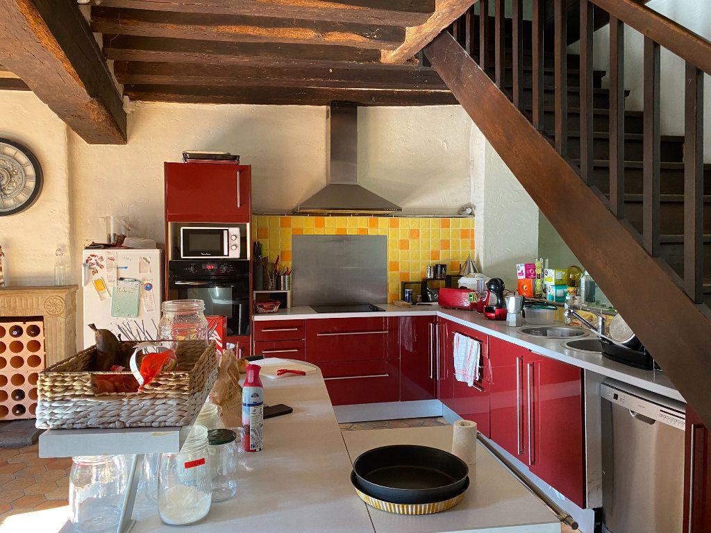Maison à louer 6 270m2 à Parthenay vignette-5