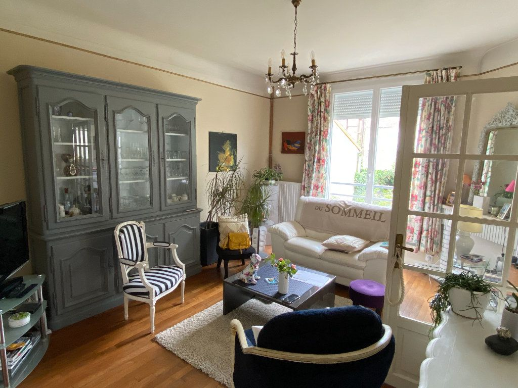 Maison à vendre 7 113.37m2 à Parthenay vignette-3
