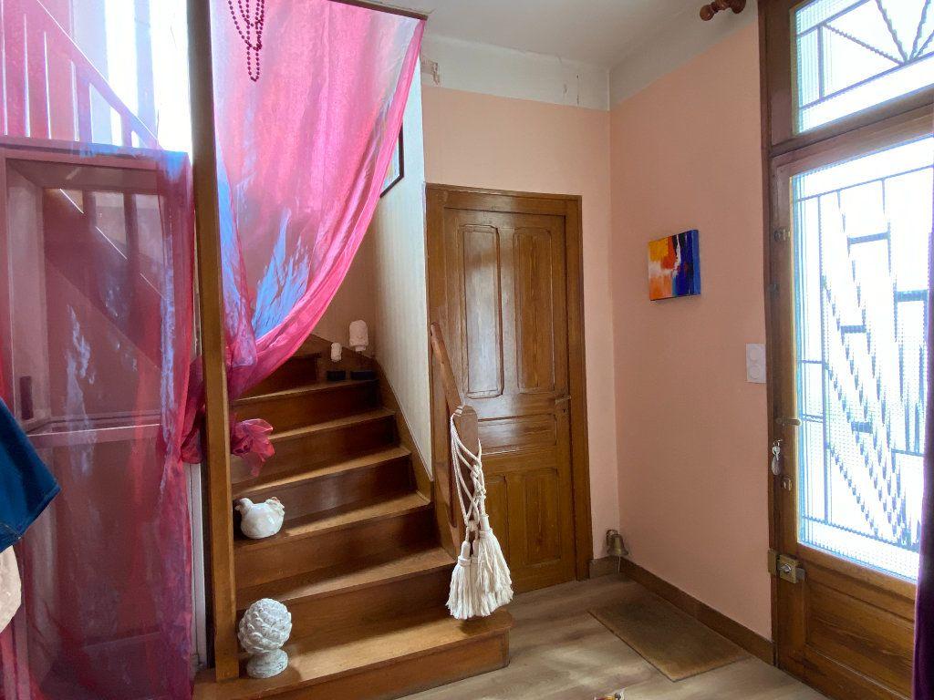 Maison à vendre 7 113.37m2 à Parthenay vignette-4