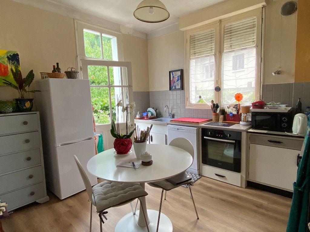 Maison à vendre 7 113.37m2 à Parthenay vignette-5