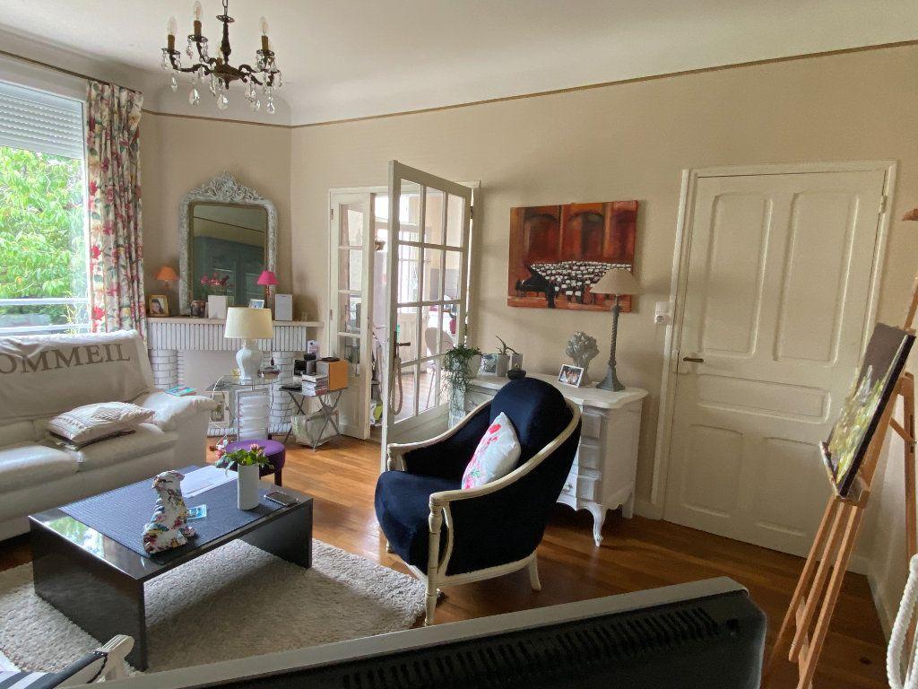 Maison à vendre 7 113.37m2 à Parthenay vignette-6