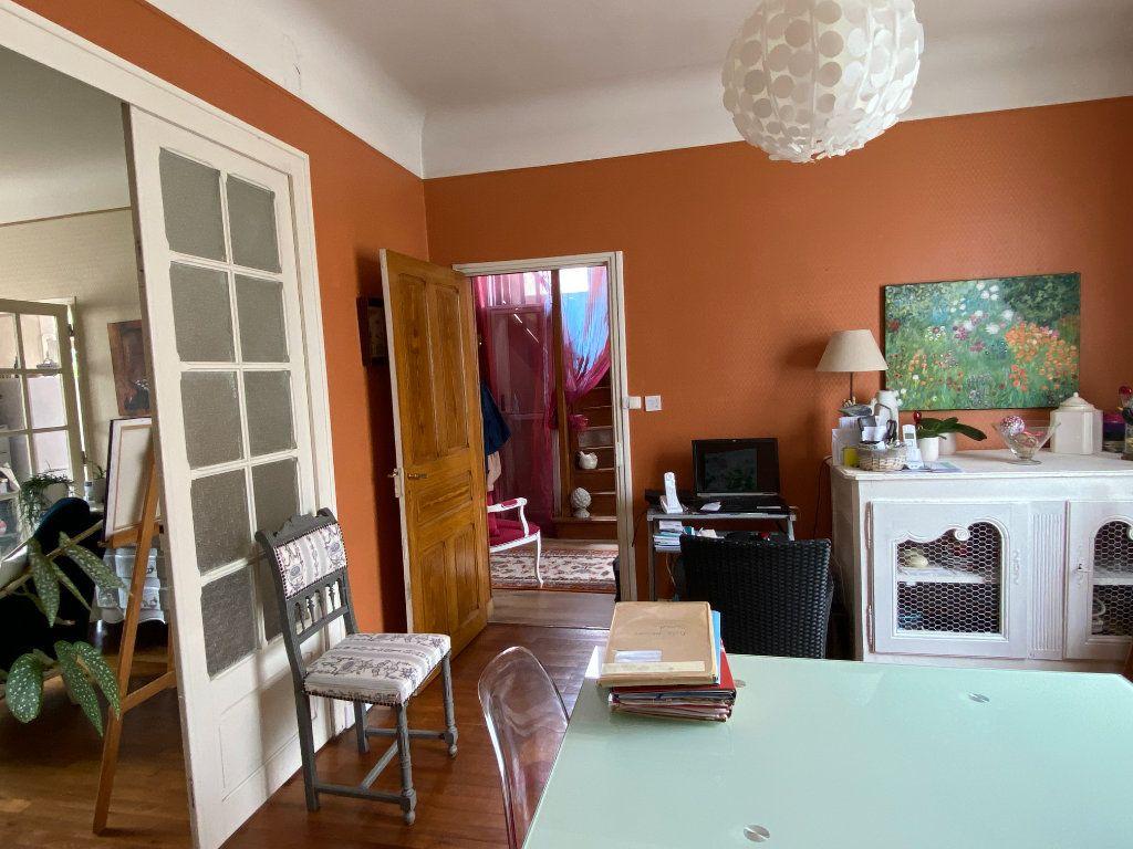 Maison à vendre 7 113.37m2 à Parthenay vignette-7