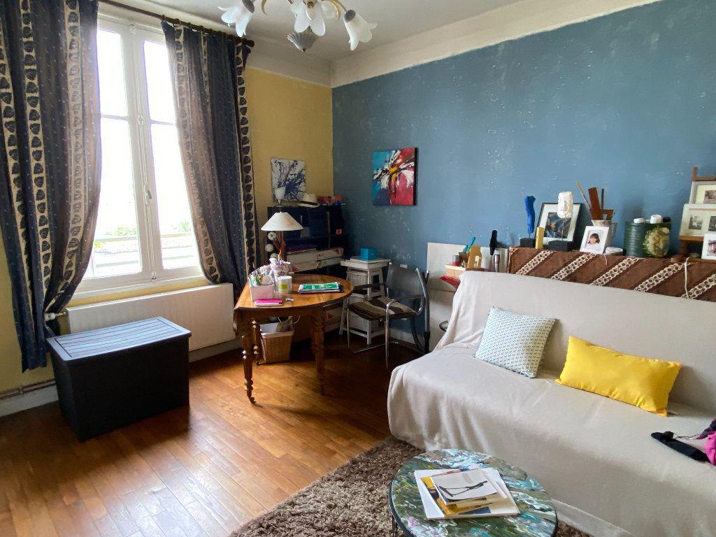 Maison à vendre 7 113.37m2 à Parthenay vignette-9