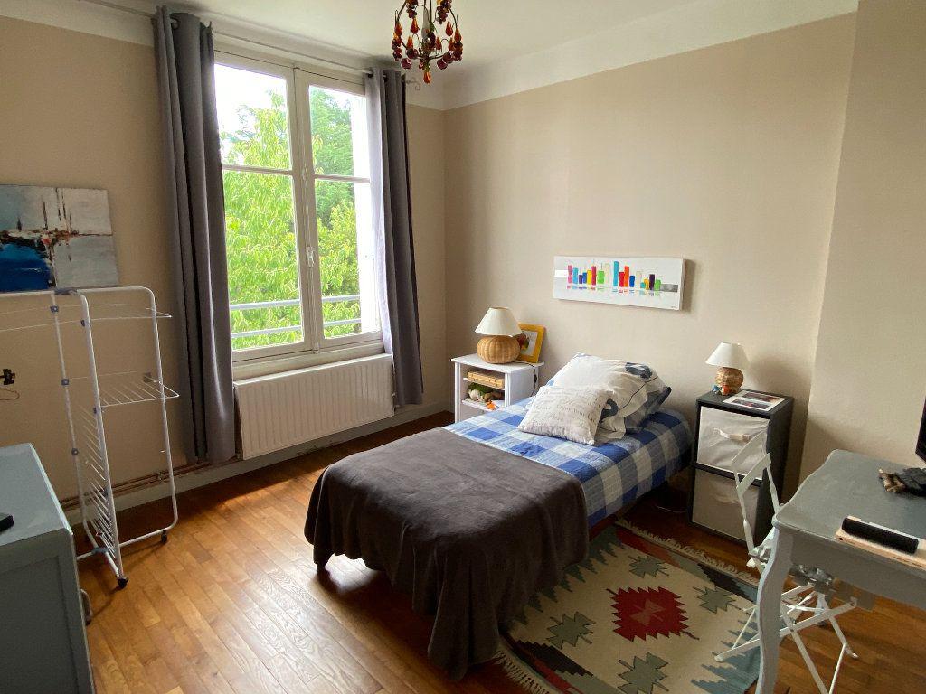 Maison à vendre 7 113.37m2 à Parthenay vignette-10