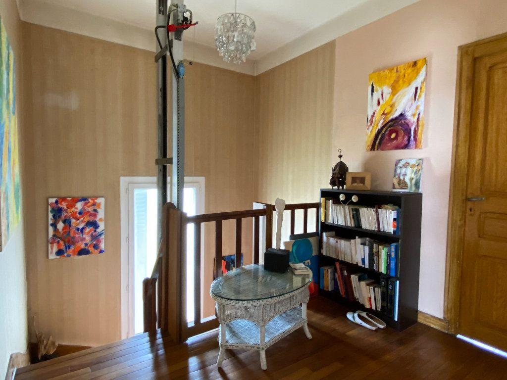 Maison à vendre 7 113.37m2 à Parthenay vignette-12