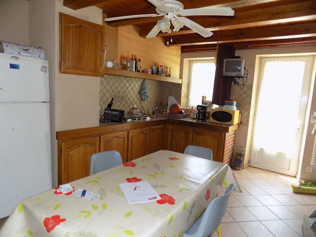 Maison à vendre 6 160m2 à Latillé vignette-4