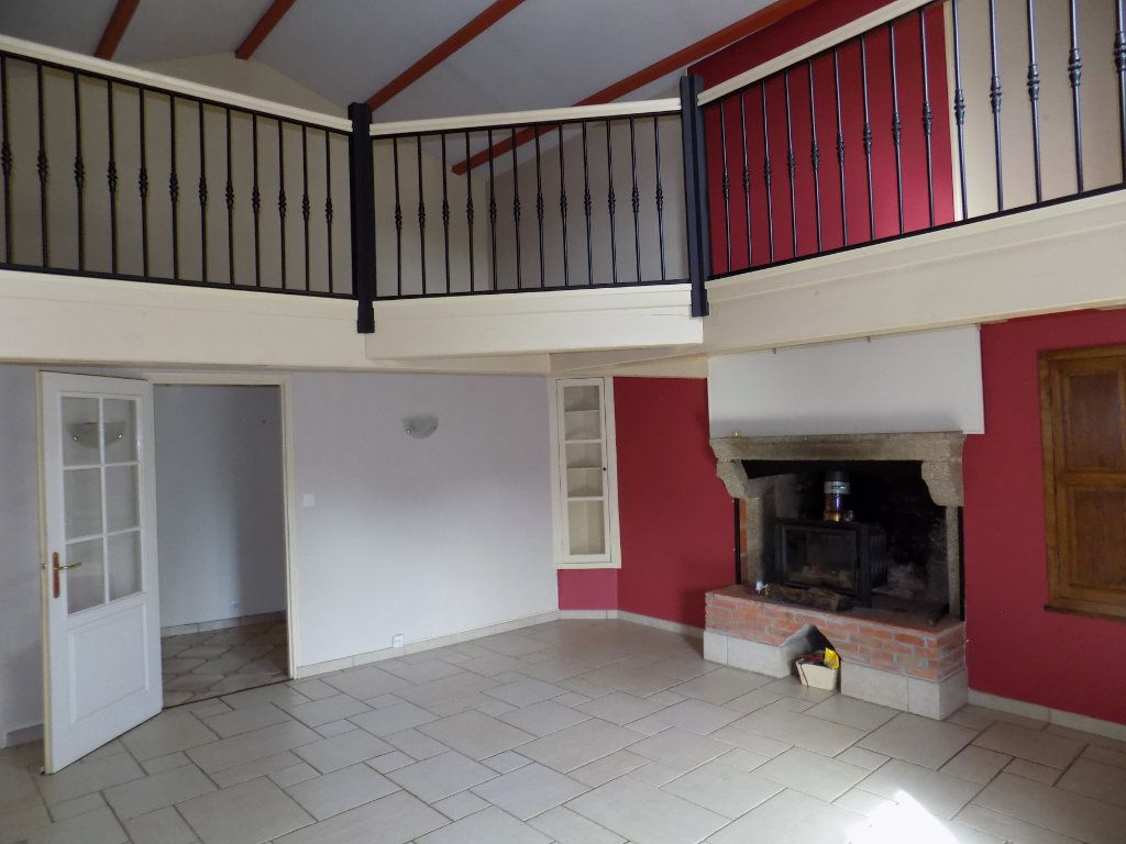 Maison à vendre 6 180m2 à Allonne vignette-1