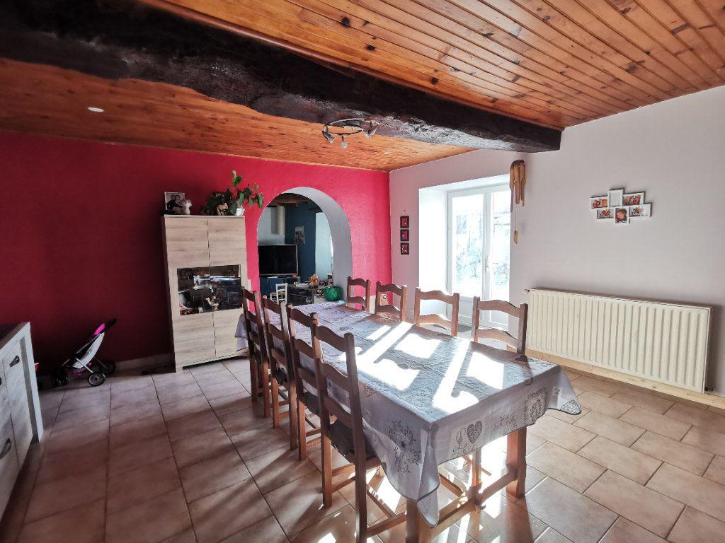 Maison à vendre 6 131m2 à Louin vignette-6