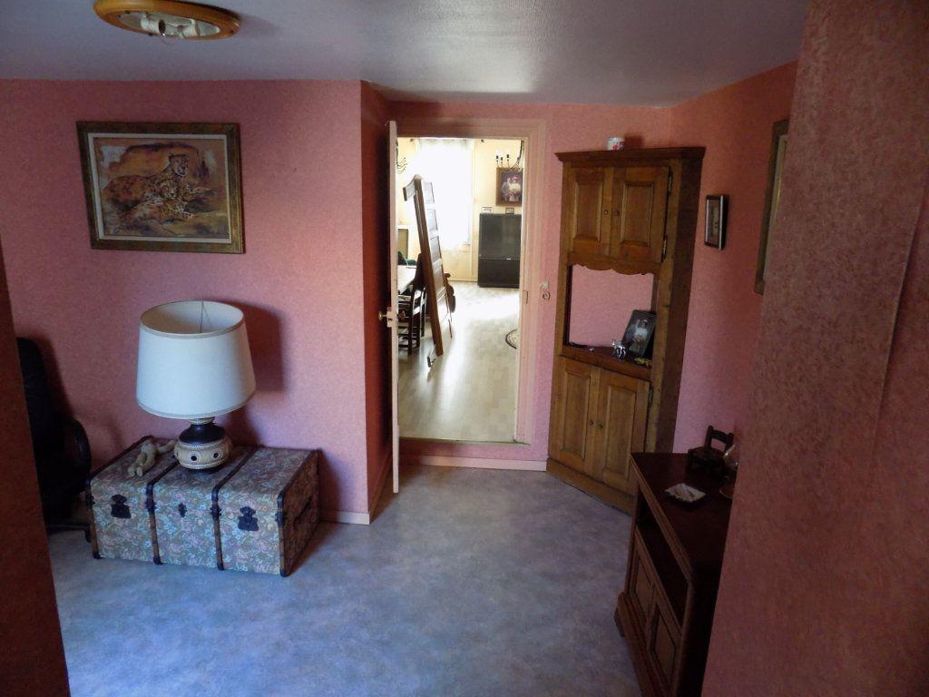 Appartement à vendre 4 130m2 à Parthenay vignette-6