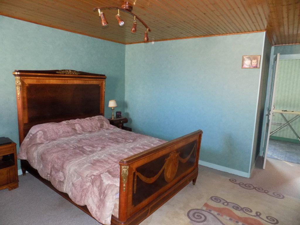 Appartement à vendre 4 130m2 à Parthenay vignette-8